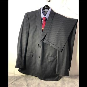 Jos A Bank Signature Gold pin striped Suit  43 L